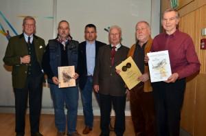 Von links: 1. Vors. Horst Prießnitz, Dieter Paul Völkl, 2. Vors. Markus Weikenstorfer, Alfons Blank vom LFV, Manfred Fischer und Karl Paar